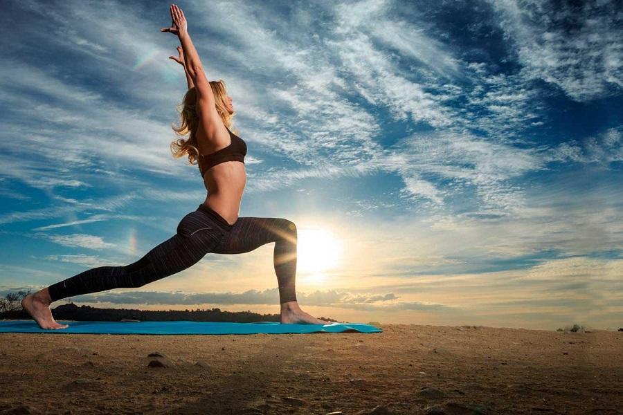 Специалисты рассказали, почему йога - лучший способ похудеть
