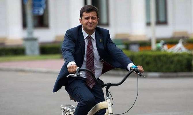 Зеленскому не понравилось рабочее место президента