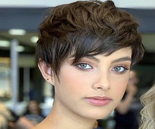 ТОП-5 стильных женских стрижек для тонких волос, фото