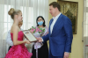 Мэр Сочи вручает премии детям