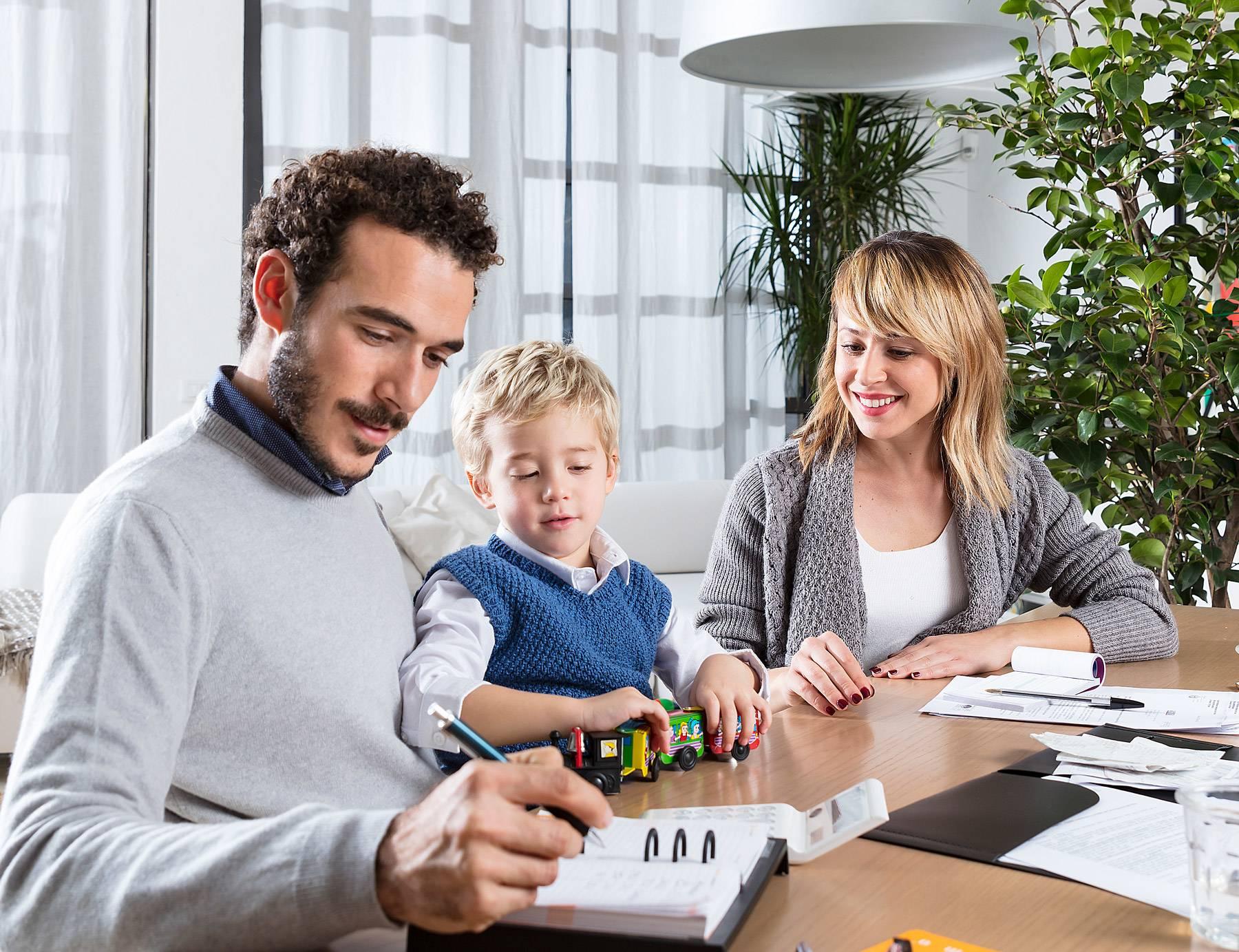 Картинки семья с деньгами
